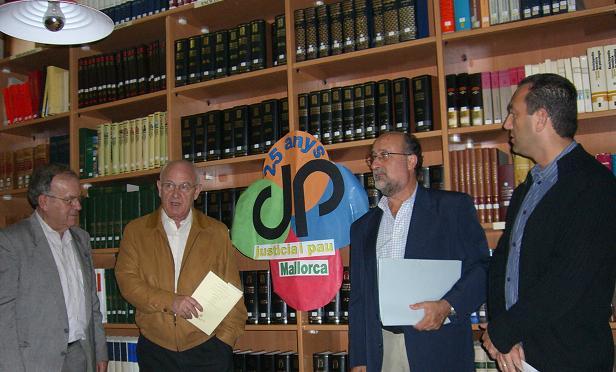 justiciaipau2005b.JPG, 47 KB
